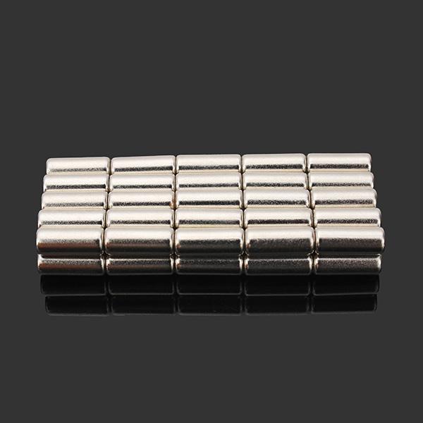 50pcs N35 Süper Güçlü Disk Mıknatıslar 4mm x 10mm Toprakda Nadir Bulunan Neodim Mıktanısları
