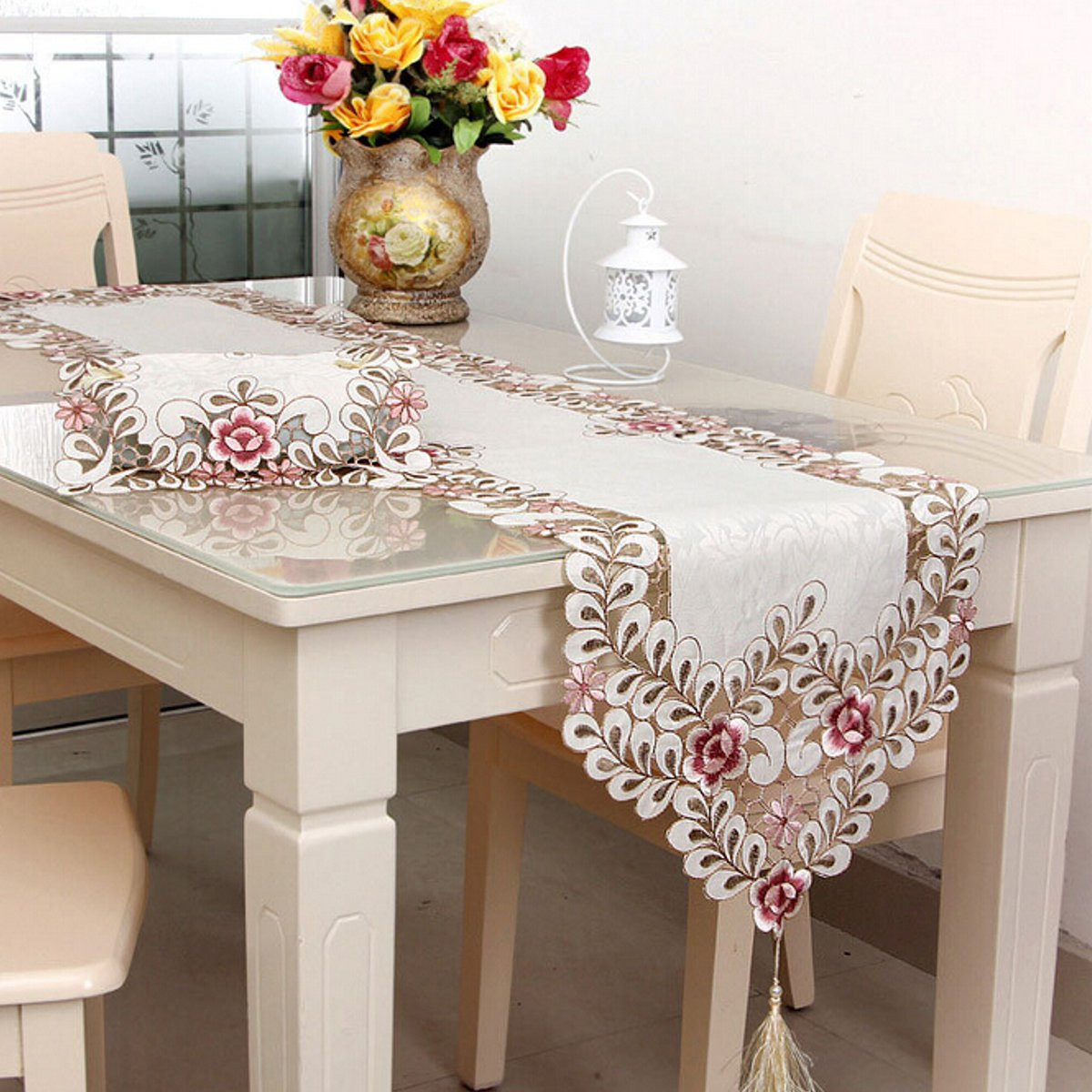 tempsa chemin de table fleur rouge pour décoration fête mariage