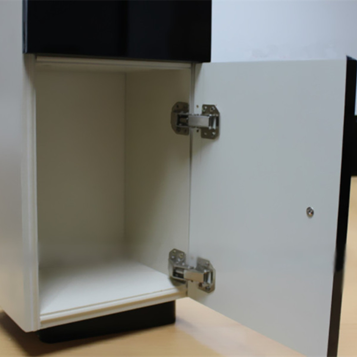 Fitting Hinges To Kitchen Cupboard Doors