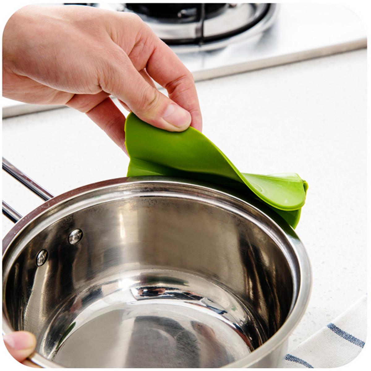 entonnoir huile liquide funnel gadget d flecteur soupe silicone outil pr cuisine achat vente. Black Bedroom Furniture Sets. Home Design Ideas