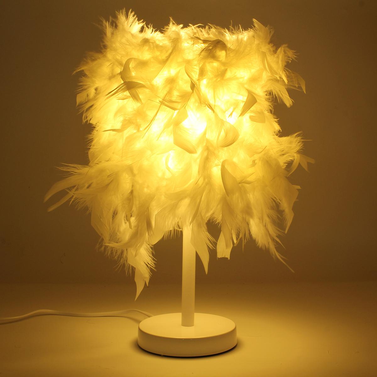 lampadaire plumes blanches finest boule de plumes blanches cm with lampadaire plumes blanches. Black Bedroom Furniture Sets. Home Design Ideas